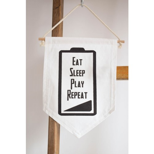 Wandvlag Eat Sleep Play Repeat